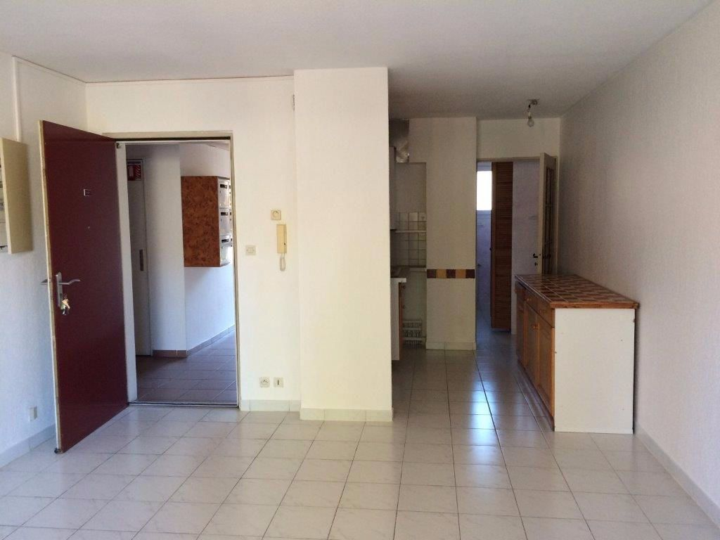 Appartement à louer 2 44m2 à Ollioules vignette-1