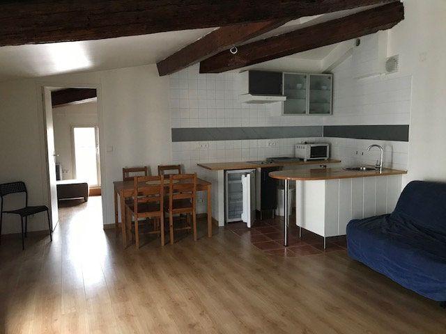 Appartement à louer 2 42.9m2 à Ollioules vignette-1