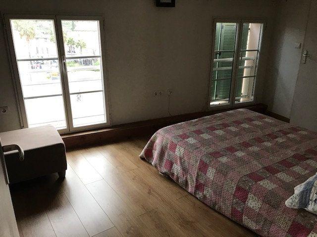 Appartement à louer 2 42.9m2 à Ollioules vignette-3