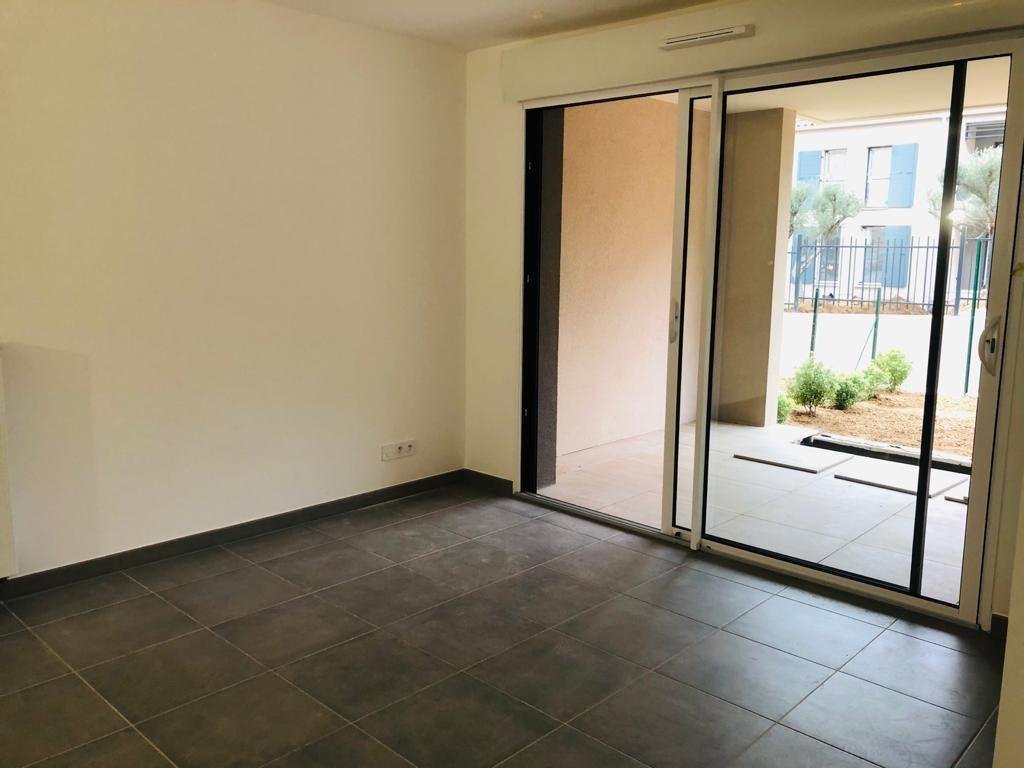 Appartement à louer 2 39.25m2 à Ollioules vignette-2