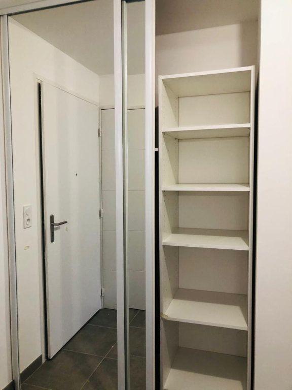 Appartement à louer 2 39.25m2 à Ollioules vignette-3