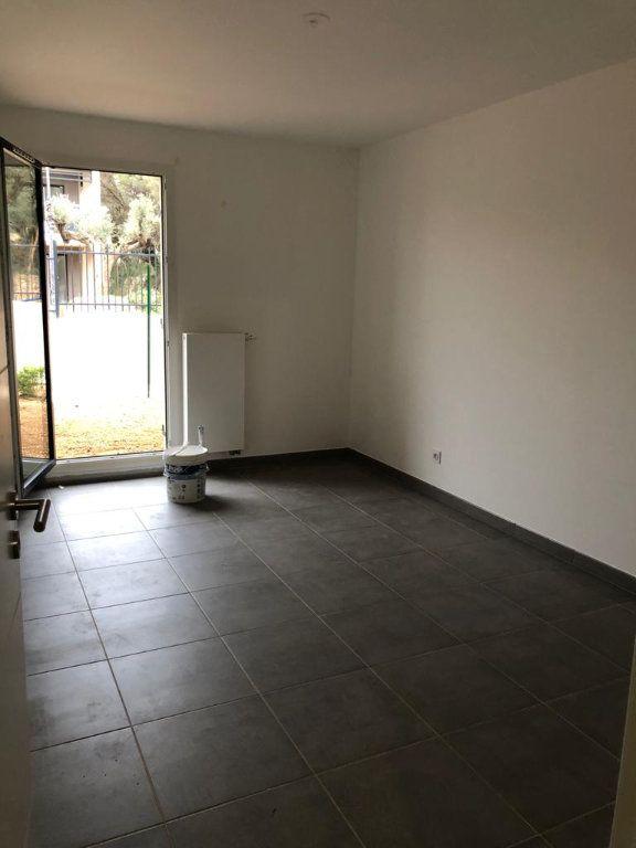 Appartement à louer 2 39.25m2 à Ollioules vignette-4