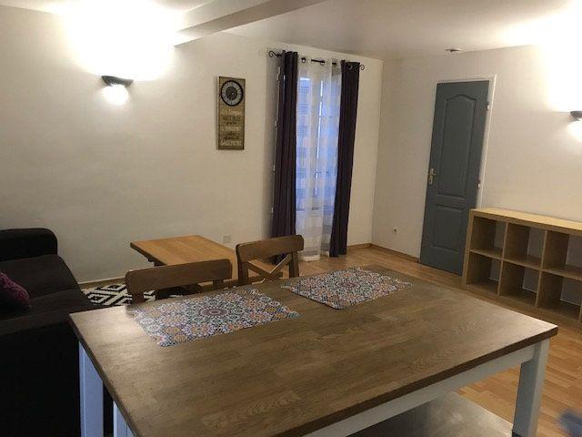 Appartement à louer 2 34m2 à Le Beausset vignette-1