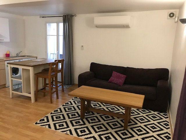 Appartement à louer 2 34m2 à Le Beausset vignette-2