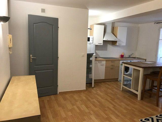 Appartement à louer 2 34m2 à Le Beausset vignette-6