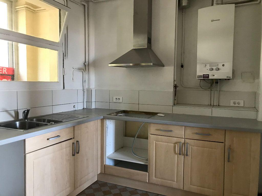 Appartement à louer 3 67m2 à Toulon vignette-4