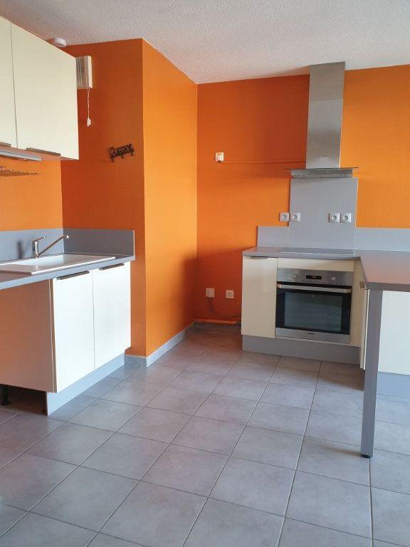 Appartement à louer 2 38.41m2 à La Seyne-sur-Mer vignette-3