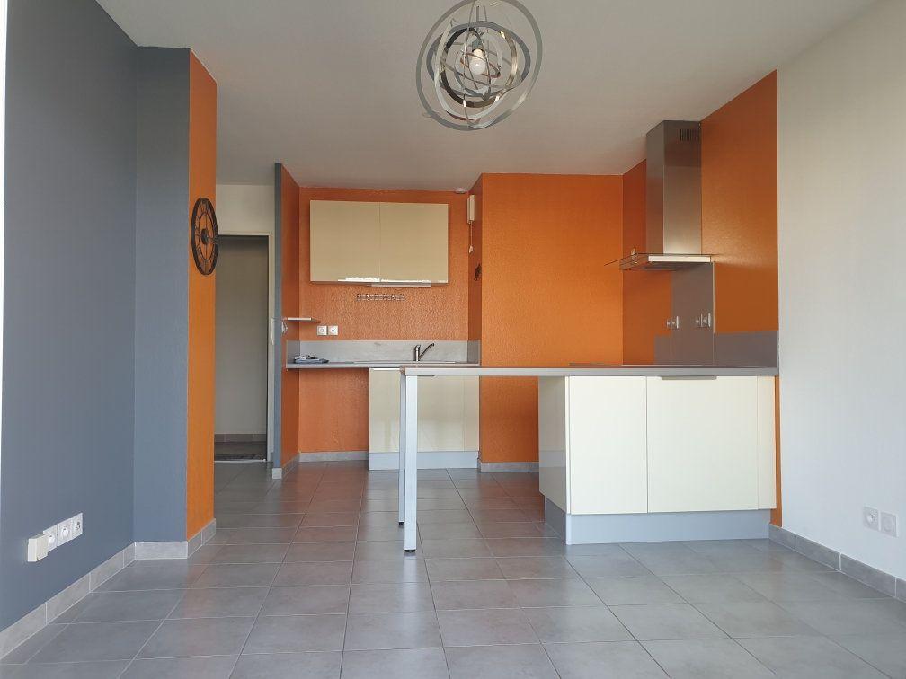 Appartement à louer 2 38.41m2 à La Seyne-sur-Mer vignette-5