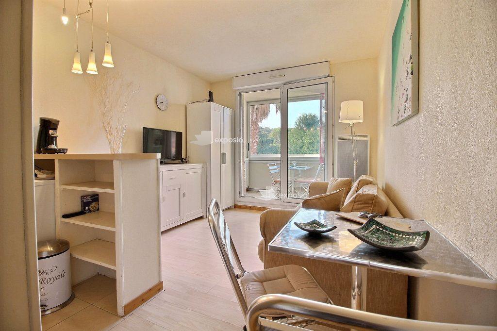 Appartement à vendre 2 23.64m2 à Sanary-sur-Mer vignette-3
