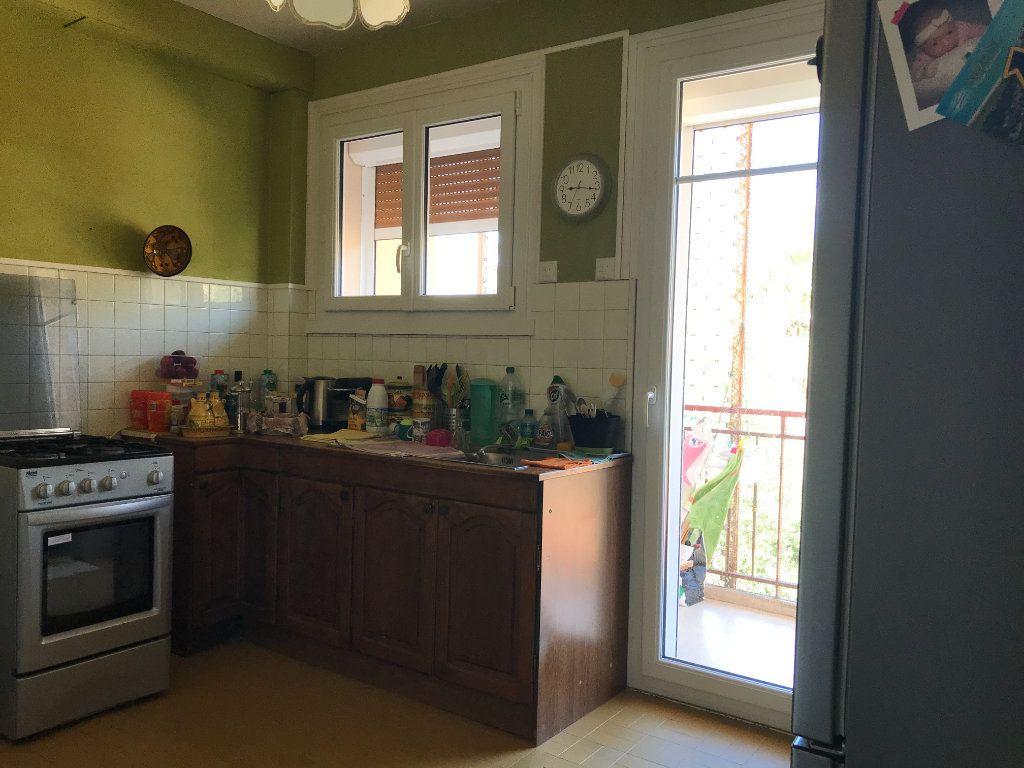 Appartement à louer 4 95.06m2 à Toulon vignette-5