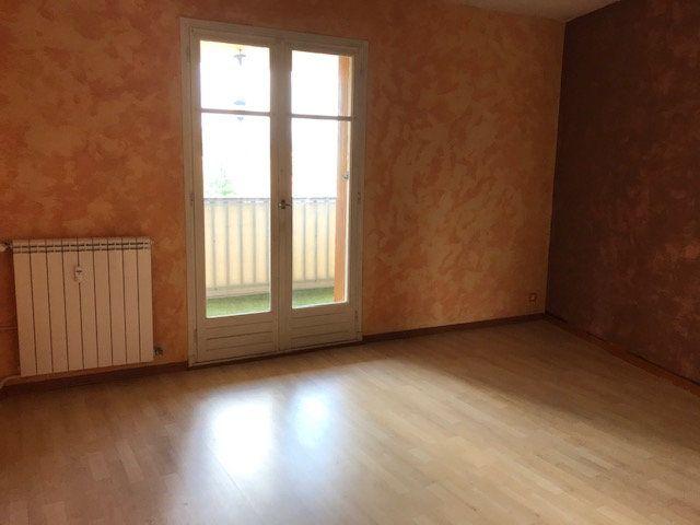 Appartement à louer 2 50m2 à Le Beausset vignette-5