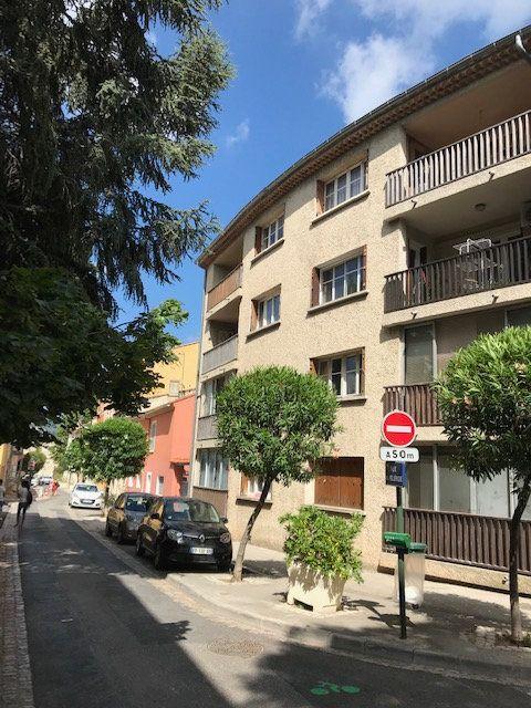 Appartement à louer 2 50m2 à Le Beausset vignette-7