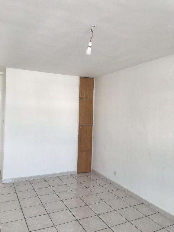 Appartement à louer 4 102m2 à Toulon vignette-5
