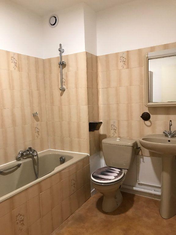Appartement à louer 2 46m2 à Toulon vignette-5