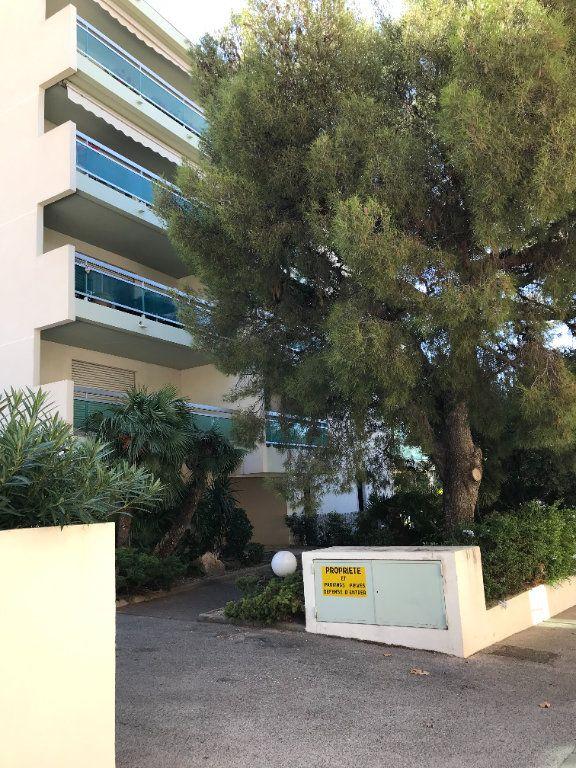 Appartement à louer 2 46m2 à Toulon vignette-6