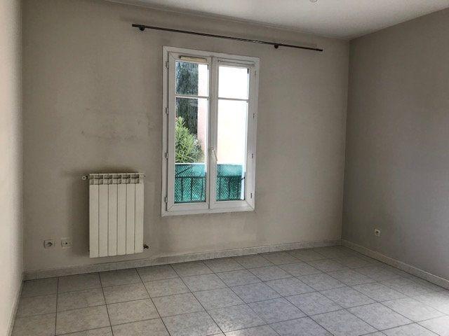 Appartement à louer 2 50m2 à Le Beausset vignette-3