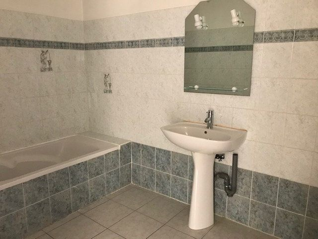 Appartement à louer 2 50m2 à Le Beausset vignette-4