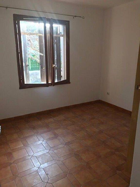 Appartement à louer 3 70m2 à Le Beausset vignette-6