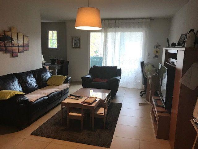 Appartement à louer 3 67m2 à Le Beausset vignette-1