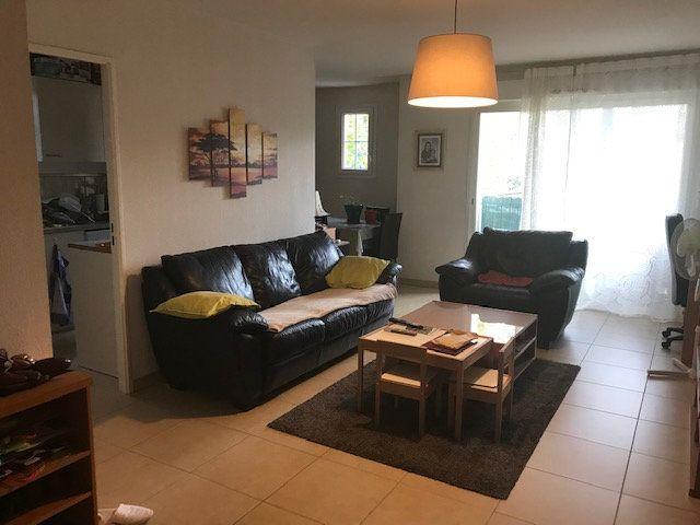 Appartement à louer 3 67m2 à Le Beausset vignette-2