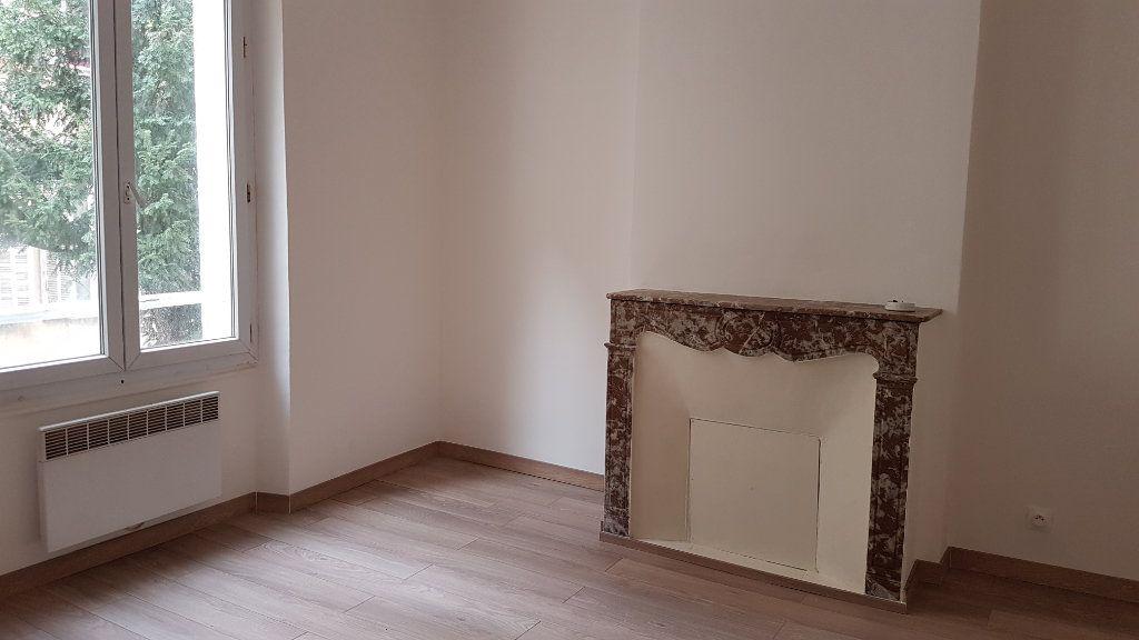 Appartement à louer 2 24.82m2 à Toulon vignette-2