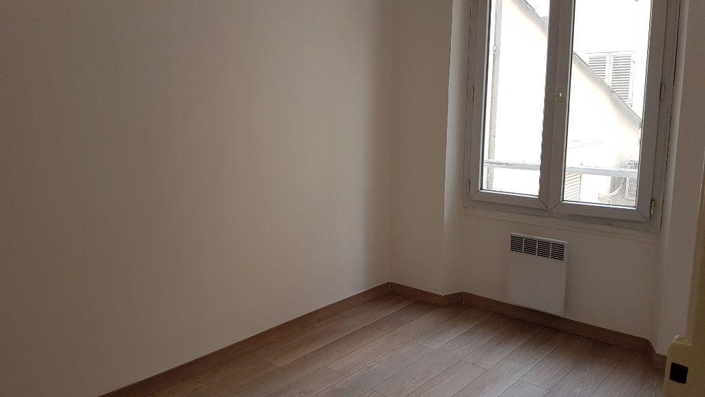 Appartement à louer 2 24.82m2 à Toulon vignette-3