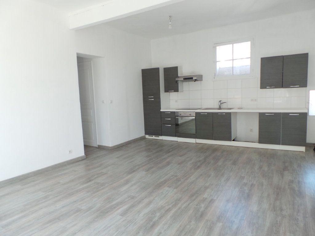 Appartement à louer 3 67m2 à Toulon vignette-1