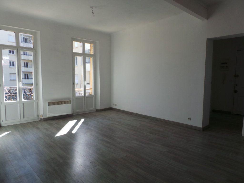 Appartement à louer 3 67m2 à Toulon vignette-5