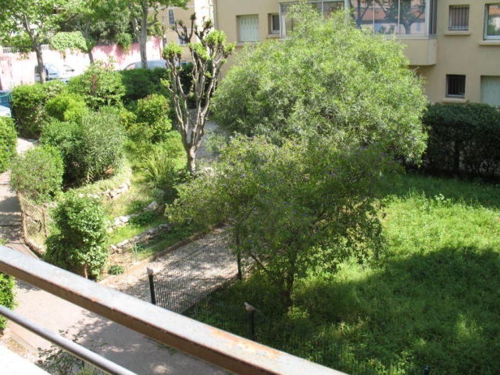 Appartement à louer 3 55m2 à Toulon vignette-1