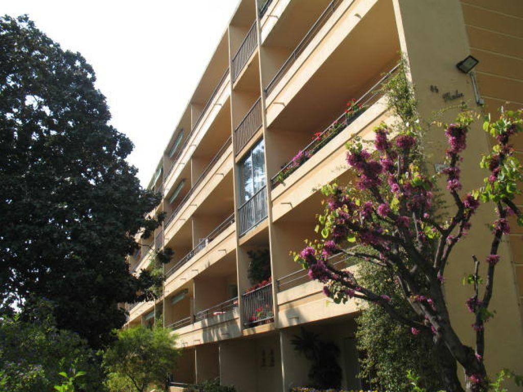 Appartement à louer 3 55m2 à Toulon vignette-2