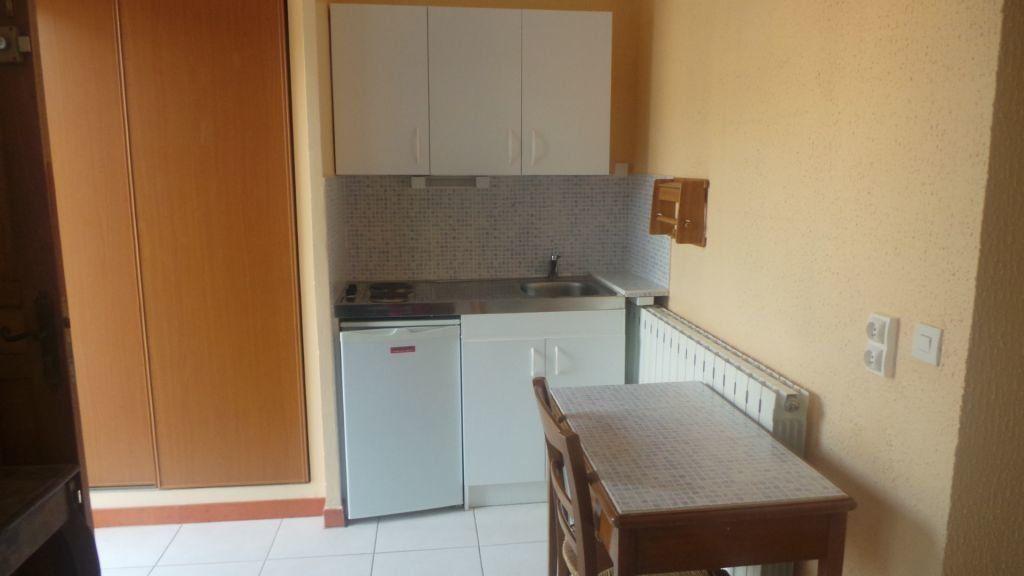 Appartement à louer 1 19m2 à Toulon vignette-4