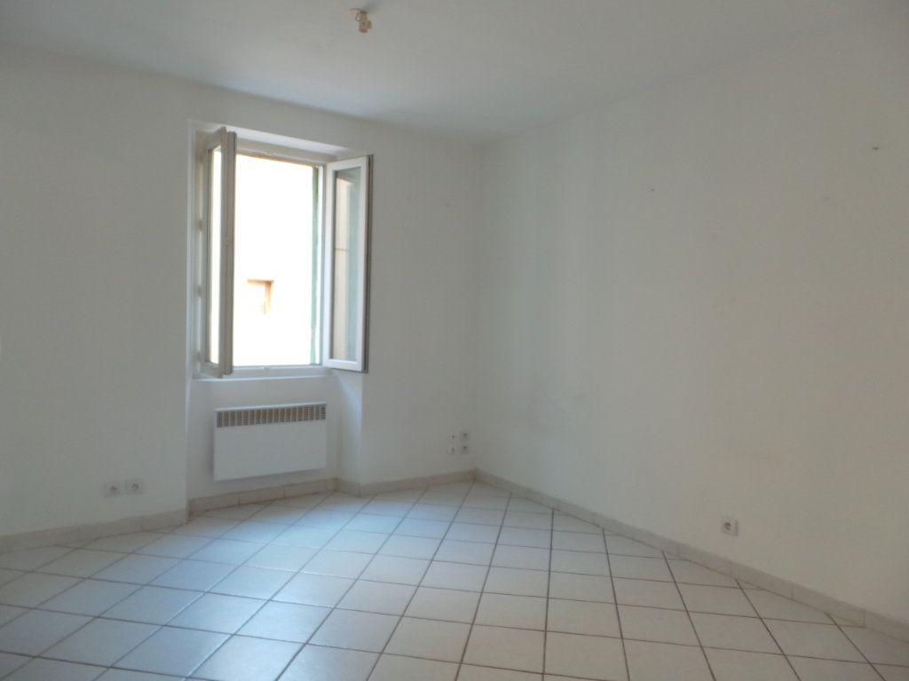 Appartement à louer 1 33.86m2 à Le Revest-les-Eaux vignette-3