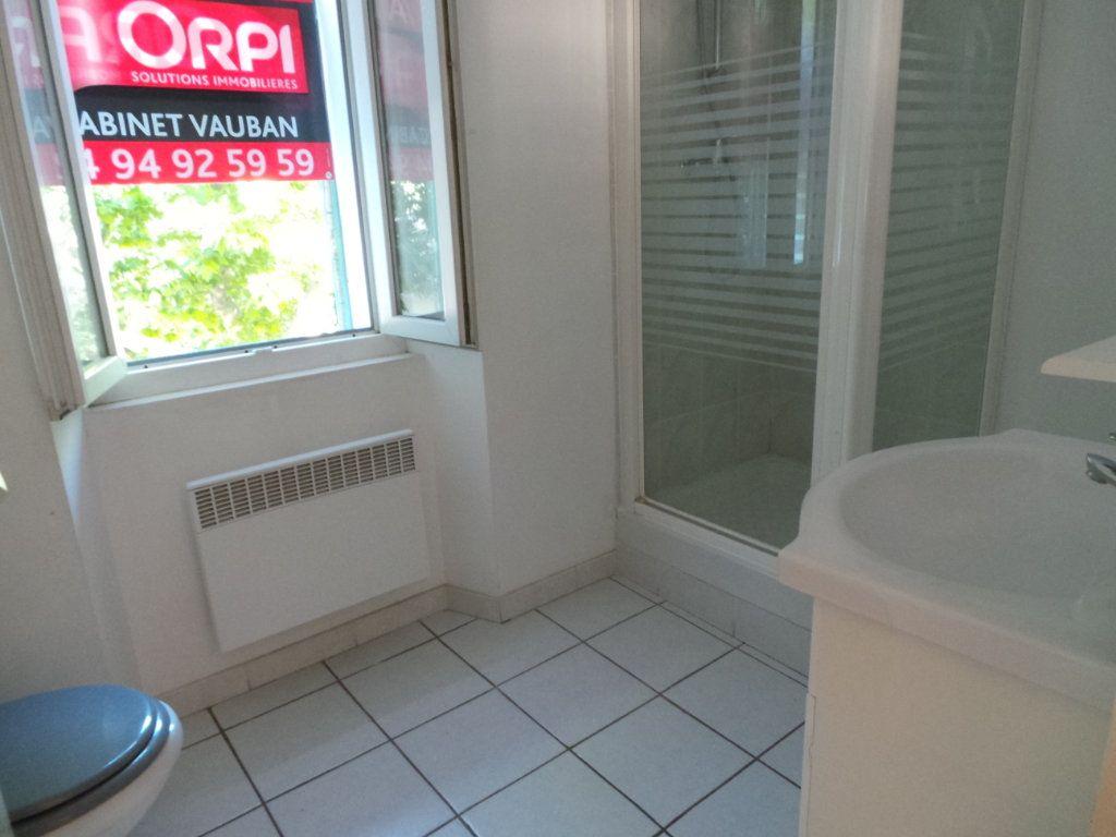 Appartement à louer 1 33.86m2 à Le Revest-les-Eaux vignette-5