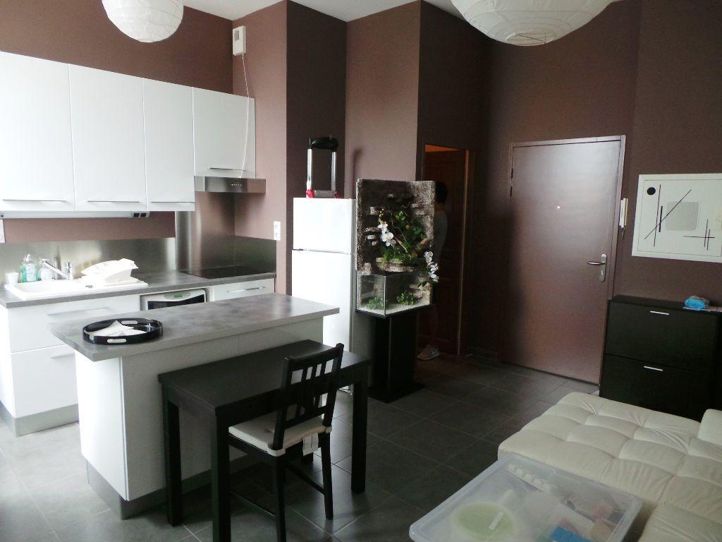 Appartement à louer 2 37.89m2 à Toulon vignette-1