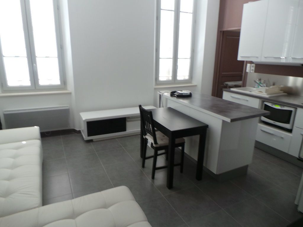 Appartement à louer 2 37.89m2 à Toulon vignette-2