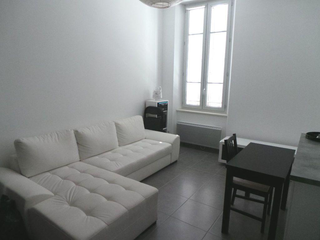 Appartement à louer 2 37.89m2 à Toulon vignette-3