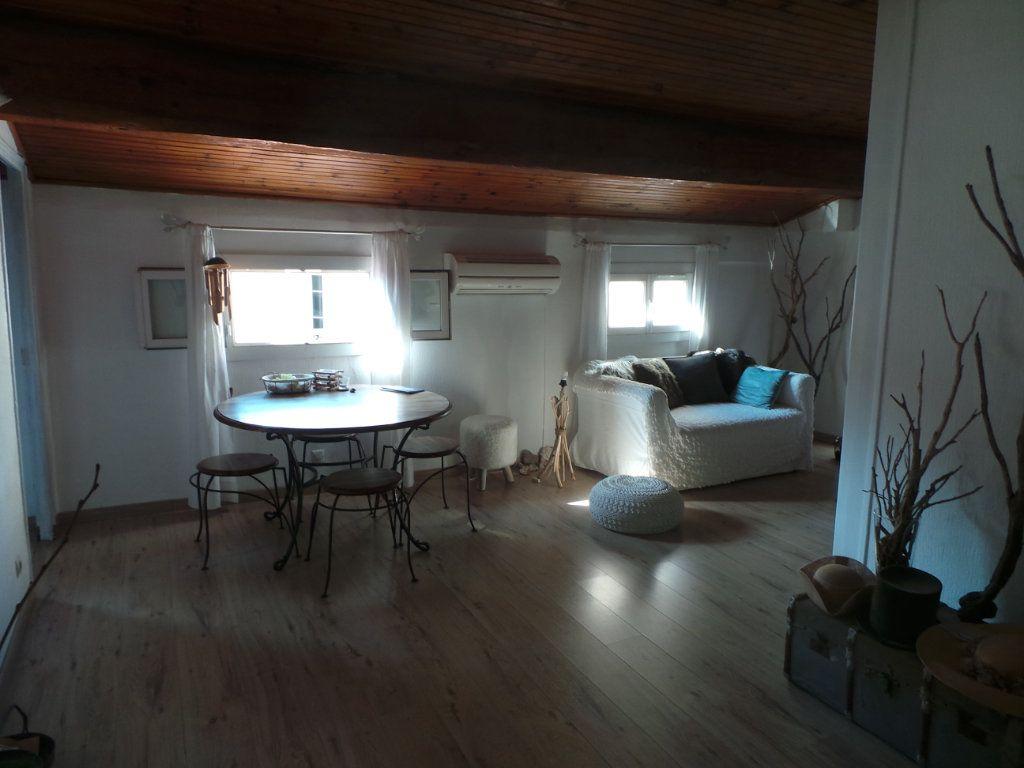 Appartement à louer 3 50.61m2 à Toulon vignette-3