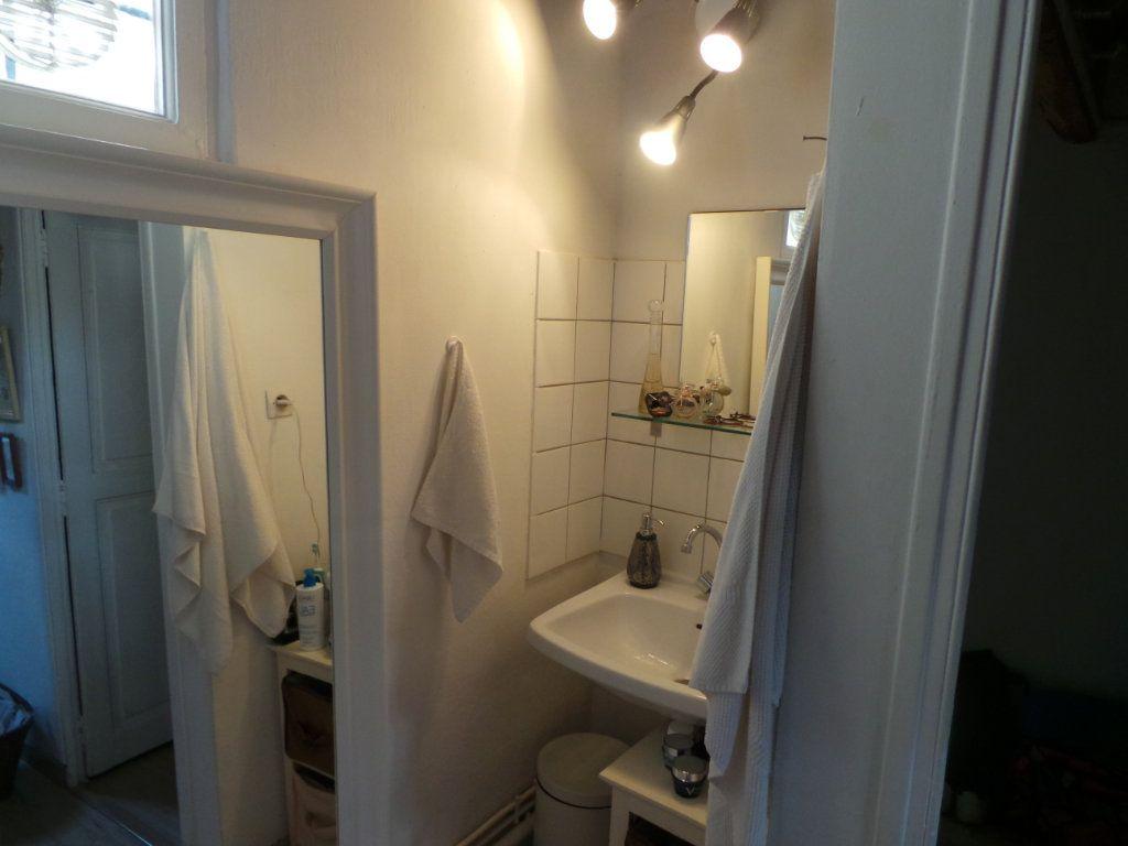Appartement à louer 3 50.61m2 à Toulon vignette-7