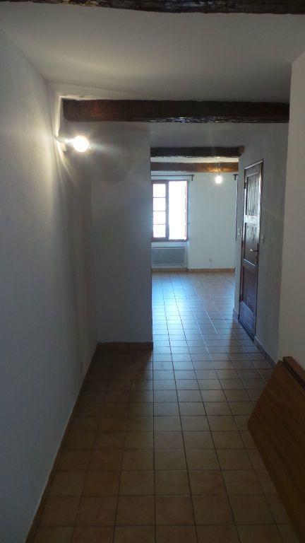 Appartement à louer 1 26m2 à Le Revest-les-Eaux vignette-5