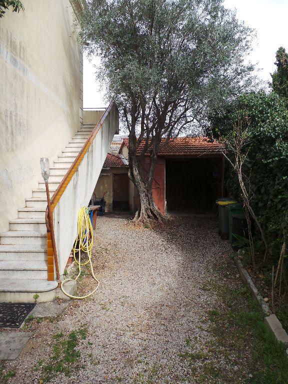 Appartement à louer 4 69.75m2 à Toulon vignette-3