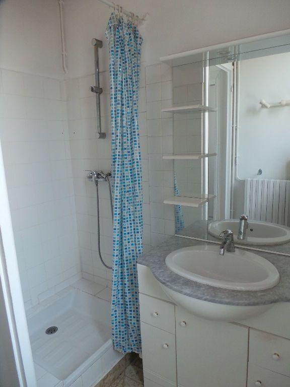 Appartement à louer 4 69.75m2 à Toulon vignette-9