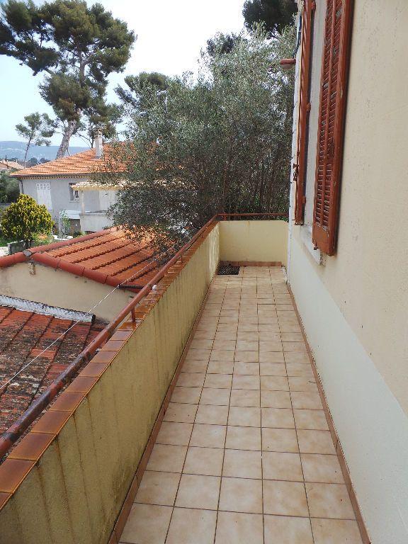 Appartement à louer 4 69.75m2 à Toulon vignette-10
