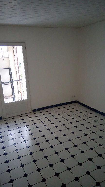 Appartement à louer 3 59m2 à Toulon vignette-1