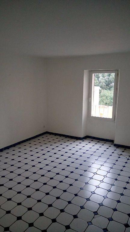 Appartement à louer 3 59m2 à Toulon vignette-2