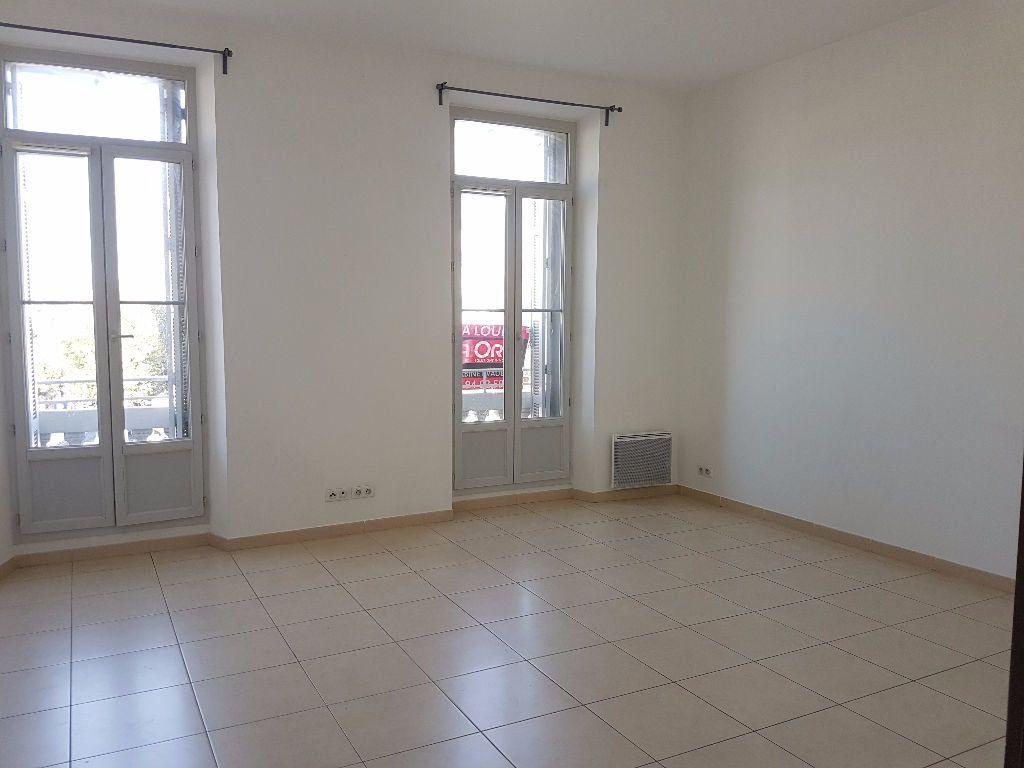 Appartement à louer 4 86.97m2 à Toulon vignette-1