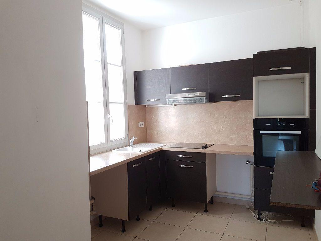 Appartement à louer 4 86.97m2 à Toulon vignette-2