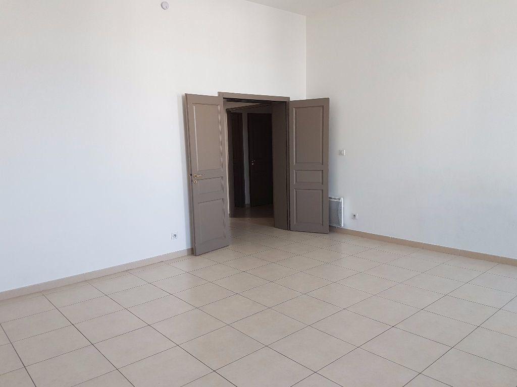 Appartement à louer 4 86.97m2 à Toulon vignette-4