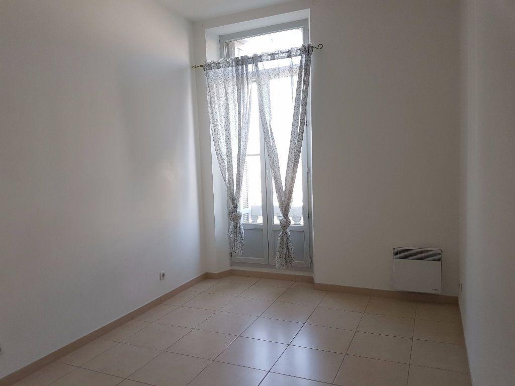 Appartement à louer 4 86.97m2 à Toulon vignette-5