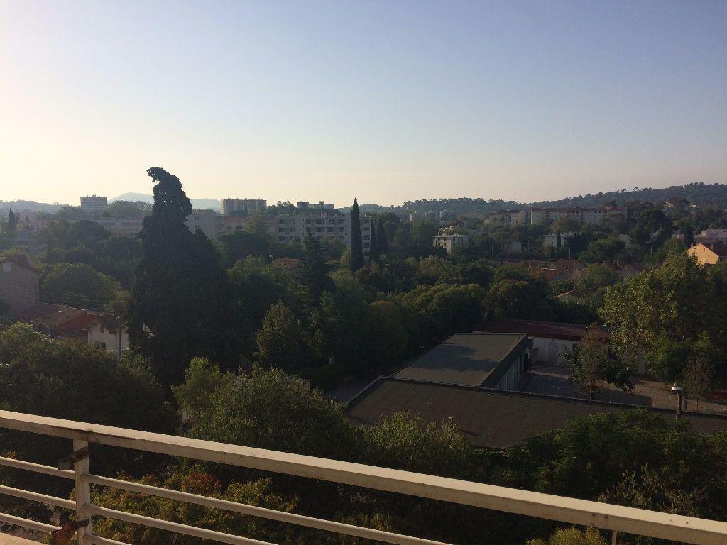 Appartement à louer 3 53.88m2 à Toulon vignette-1