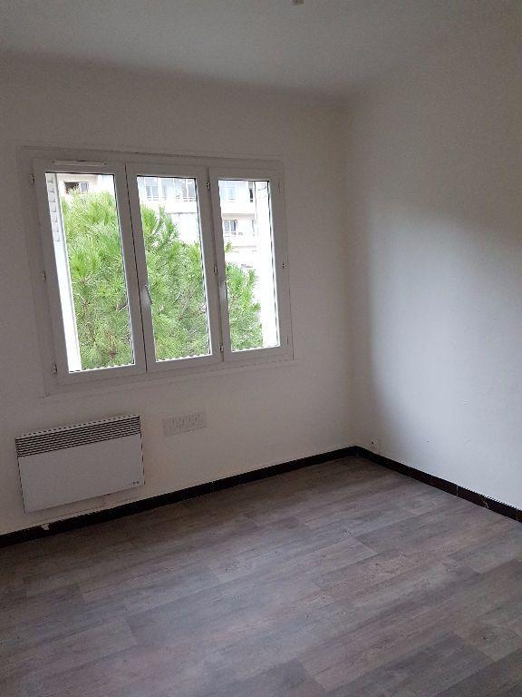 Appartement à louer 3 53.88m2 à Toulon vignette-6